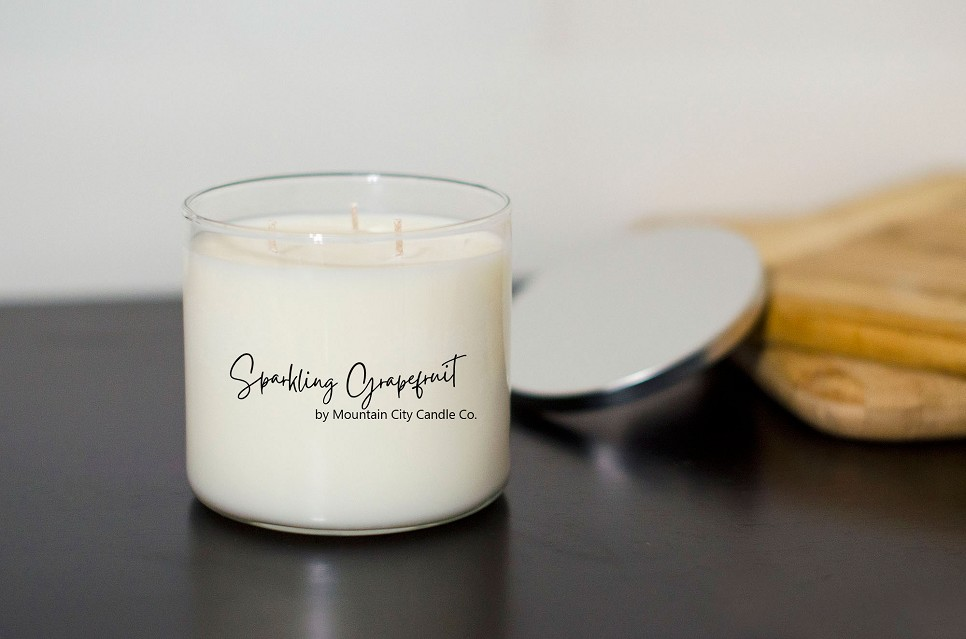 Sparkling Grapefruit Scented 3 wick candle
